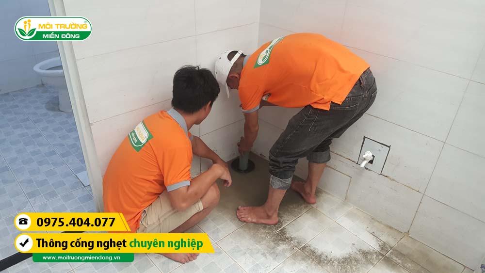 Xử lý thông cống nghẹt cho khách hàng khu vực Quận Thủ Đức, TP. HCM ☎ 0975.404.077 #moitruong #vietnam #Environmental #việtnam #wc #nhavesinh #HCM