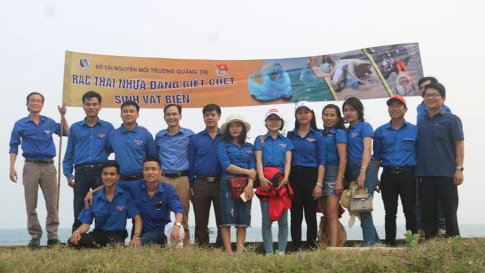 Sở tài nguyên môi trường Quảng Trị ra quân chống rác thải nhựa 2020 - Môi Trường Miền Đông #racthai #moitruong #vietnam #Environmental #việtnam