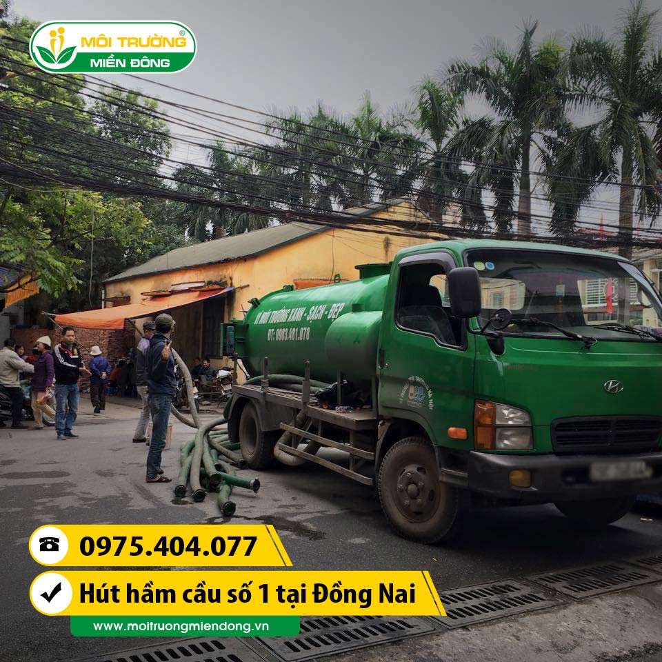 Dịch vụ rút hầm cầu cho nhà dân trong ngõ hẻm tại xã Phú Ngọc, Đồng Nai ☎ 0975.404.077 #moitruong #vietnam #Environmental #việtnam #huthamcau #ruthamcau #ĐồngNai